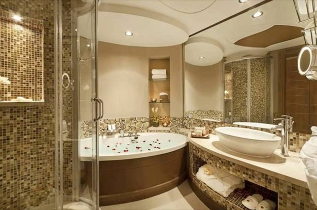 Essential Home Seller Maintenance: Keep the Bathrooms Clean